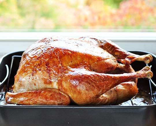 Recipe and photo credit: http://www.thekitchn.com/how-to-cook-a-turkey-the-simplest-easiest-method-cooking-lessons-from-the-kitchn-160905