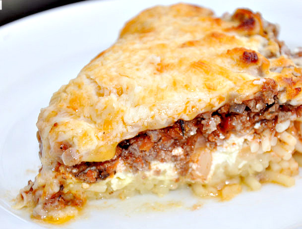 photo credit: http://www.lifeatcobblehillfarm.com/2011/12/spaghetti-pie.html